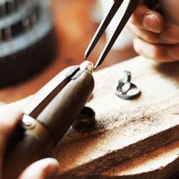 Reparación y mantenimiento de joyas